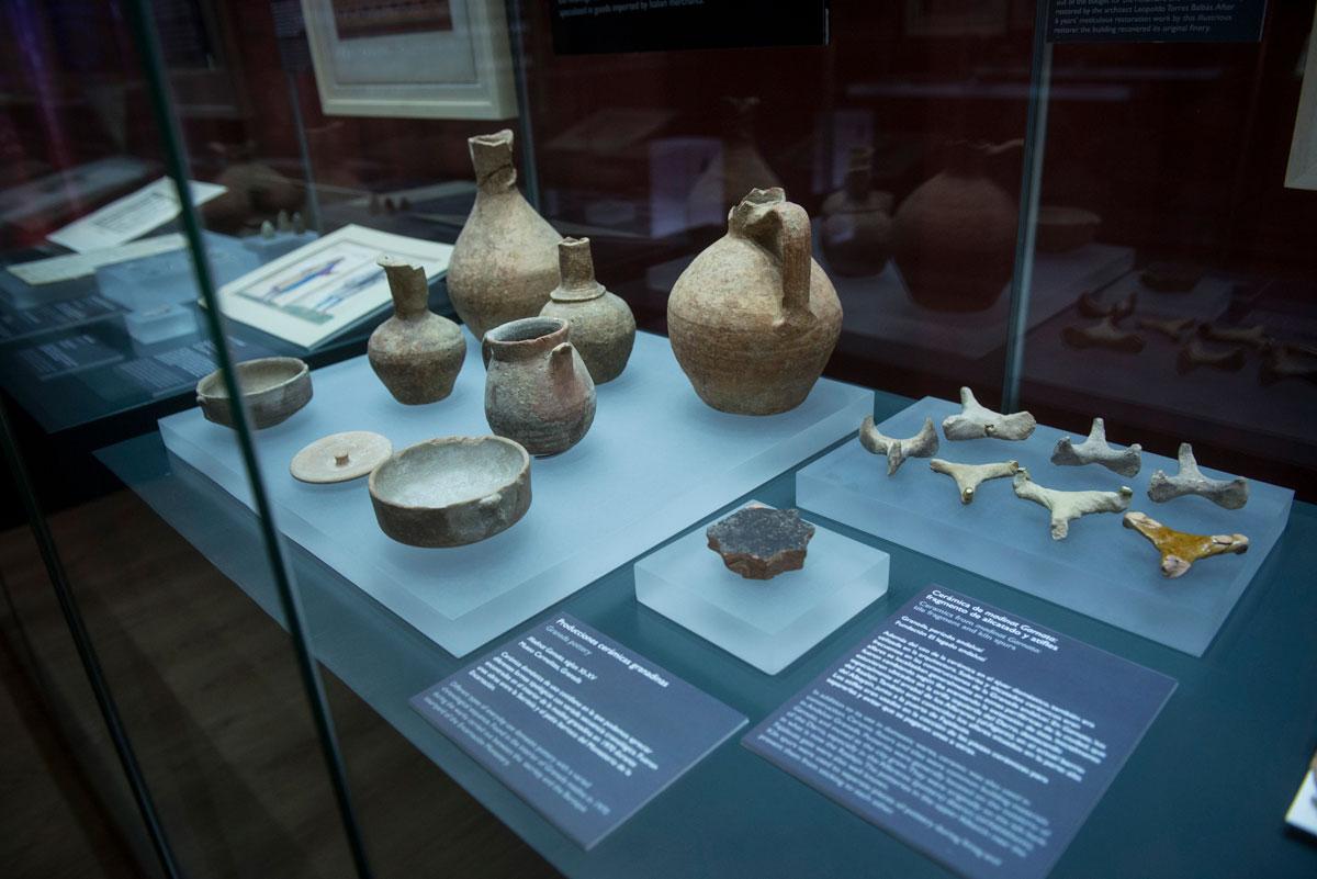 Representación de cerámica doméstica encontradas en 1970 durante unas obras en el Convento de las Carmelitas. Fotografía JM. Grimaldi