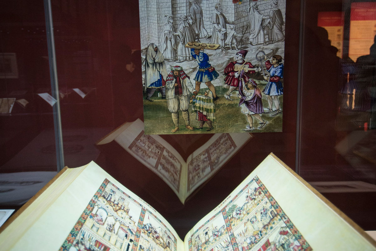 Scenes of the King of Granada's Army and the defense of the territory represented in a facsimile edition of Cantigas de Santa María, by King Alphonso X The Wise (13th century). Photo: JM. Grimaldi