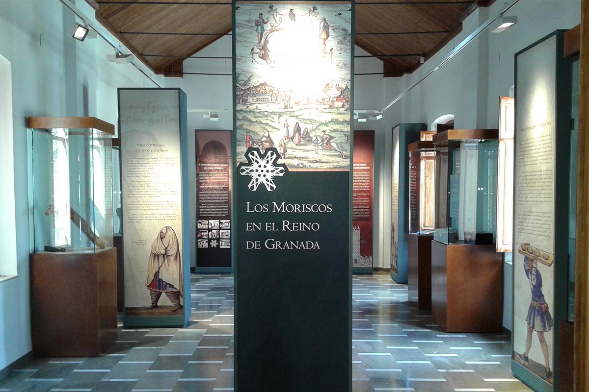 Exposición Los Moriscos. Historia de una minoría celebrada en Pinos Puente.