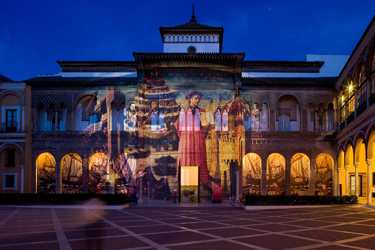 Patio de la Monteria. Audiovisual projection on the façade of the Palace of King Don Pedro.