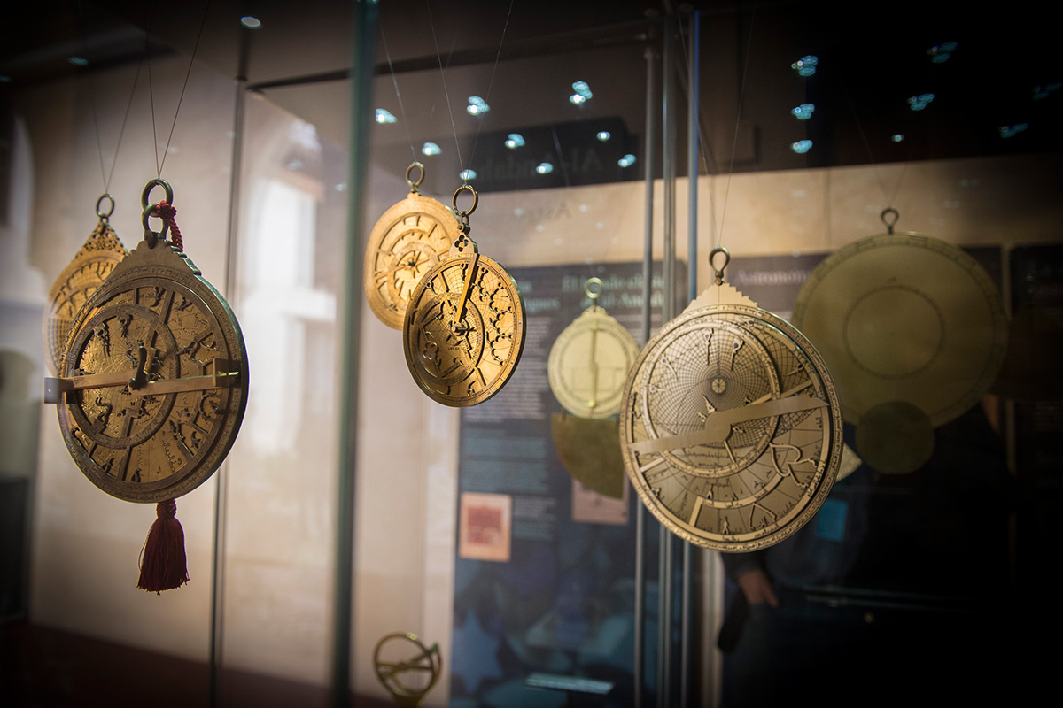 "Collection of astrolabes and introduction to the Exhibition ""Science in al-Andalus"". Palace of Dar al-Horra. Photo: JM. Grimaldi."