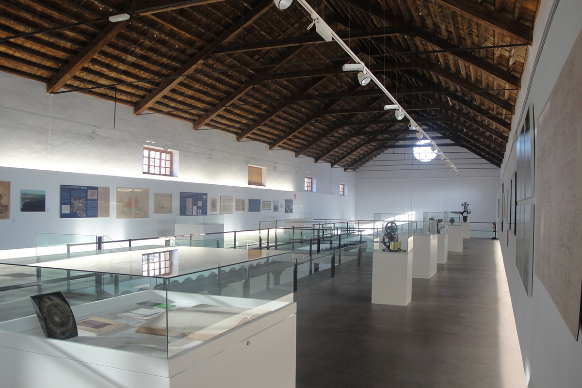 A view of the upper floor of the exhibition. Factory of Ntra. Sra. del Pilar, Motril. Photo: Paulino Martínez More.