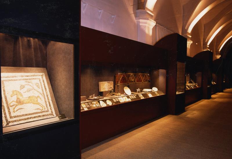 Mosaico representando un caballo al galope. Villa romana de Fraga. Museo de Zaragoza.