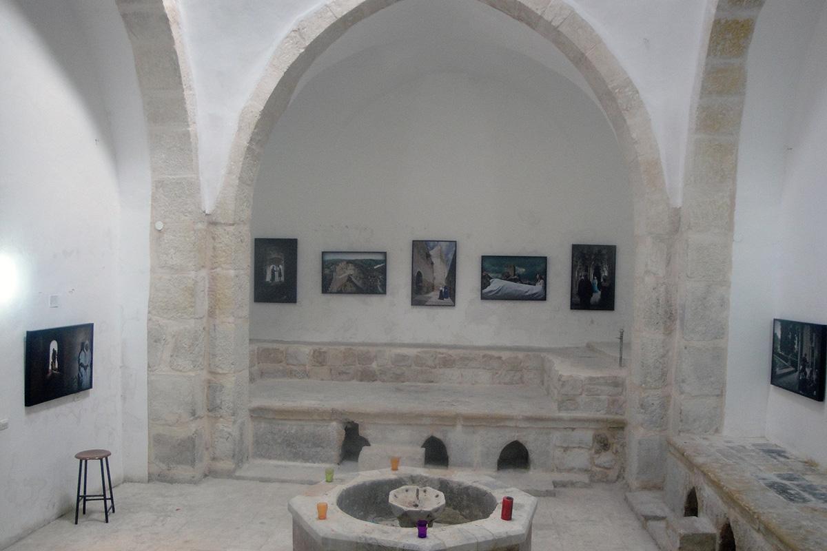 "Exhibition ""El alma deSgranada"". Hall Hammam al-'Ayn, Jerusalem."