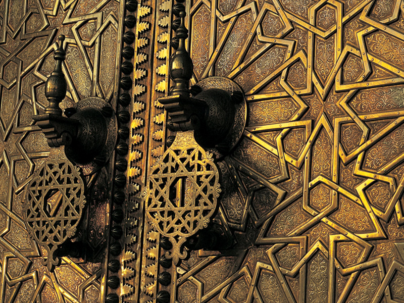 ©Henry Kneuer. Details and Colours of Morocco.