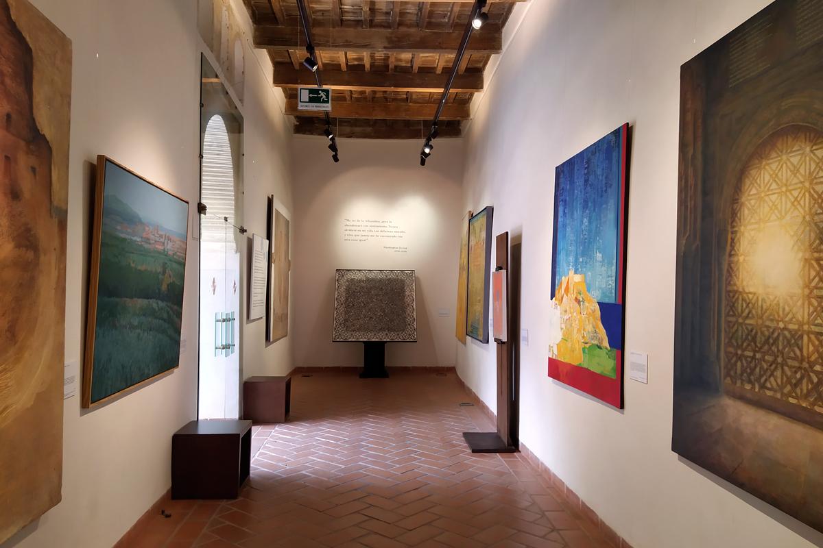 """Espacio expositivo de la Exposición """"El legado andalusí. Una propuesta plástica"""""""