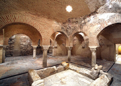 Baños árabes en el interior del Palacio de Villardompardo. Jaén