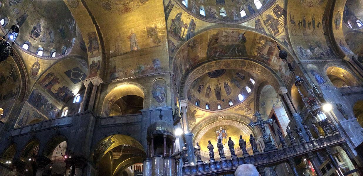 Interior de la Basilica de San Marcos