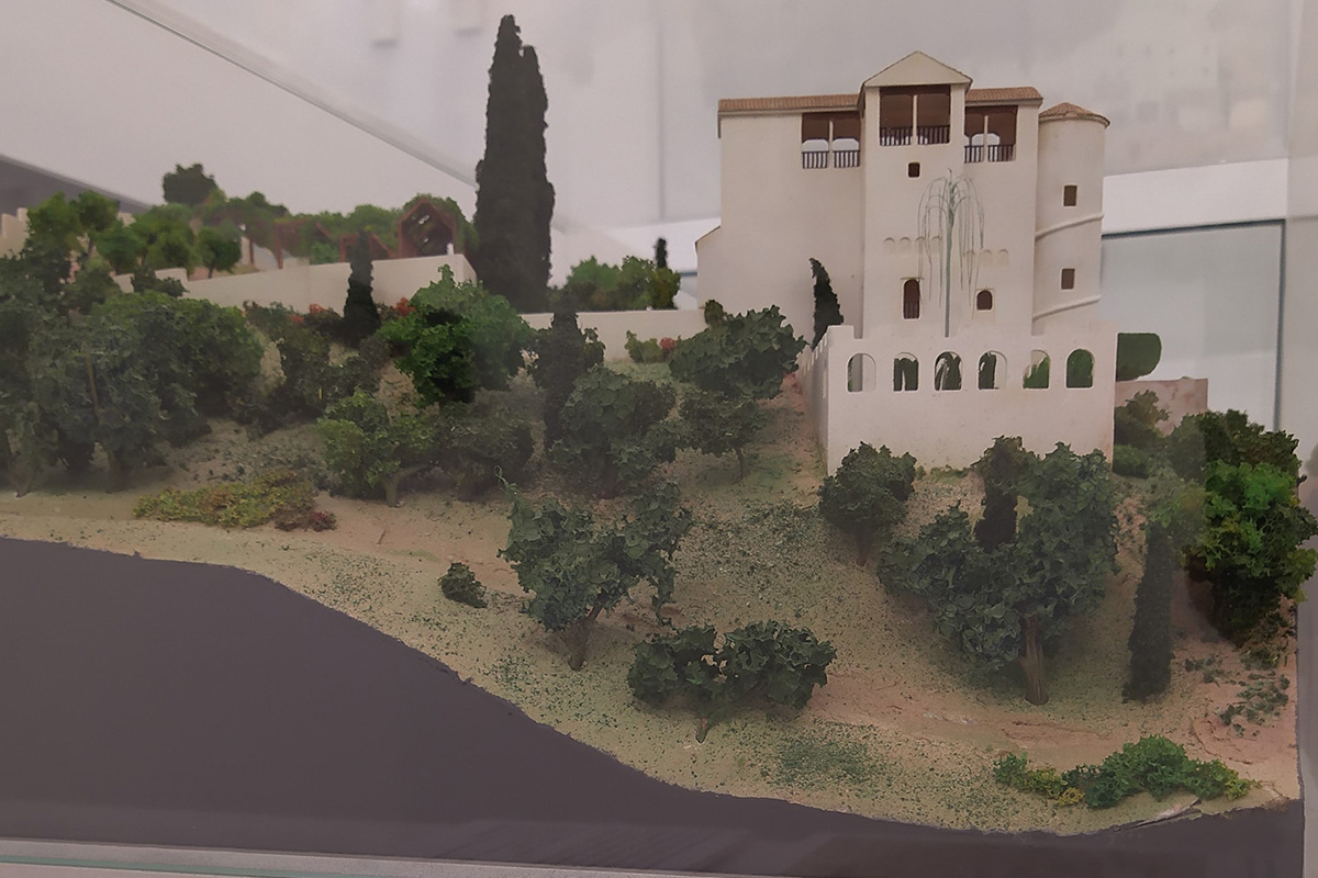 A scale model showing the Generalife (Granada). A hypothesis on the early Christian transformations between 1526 and 1567.