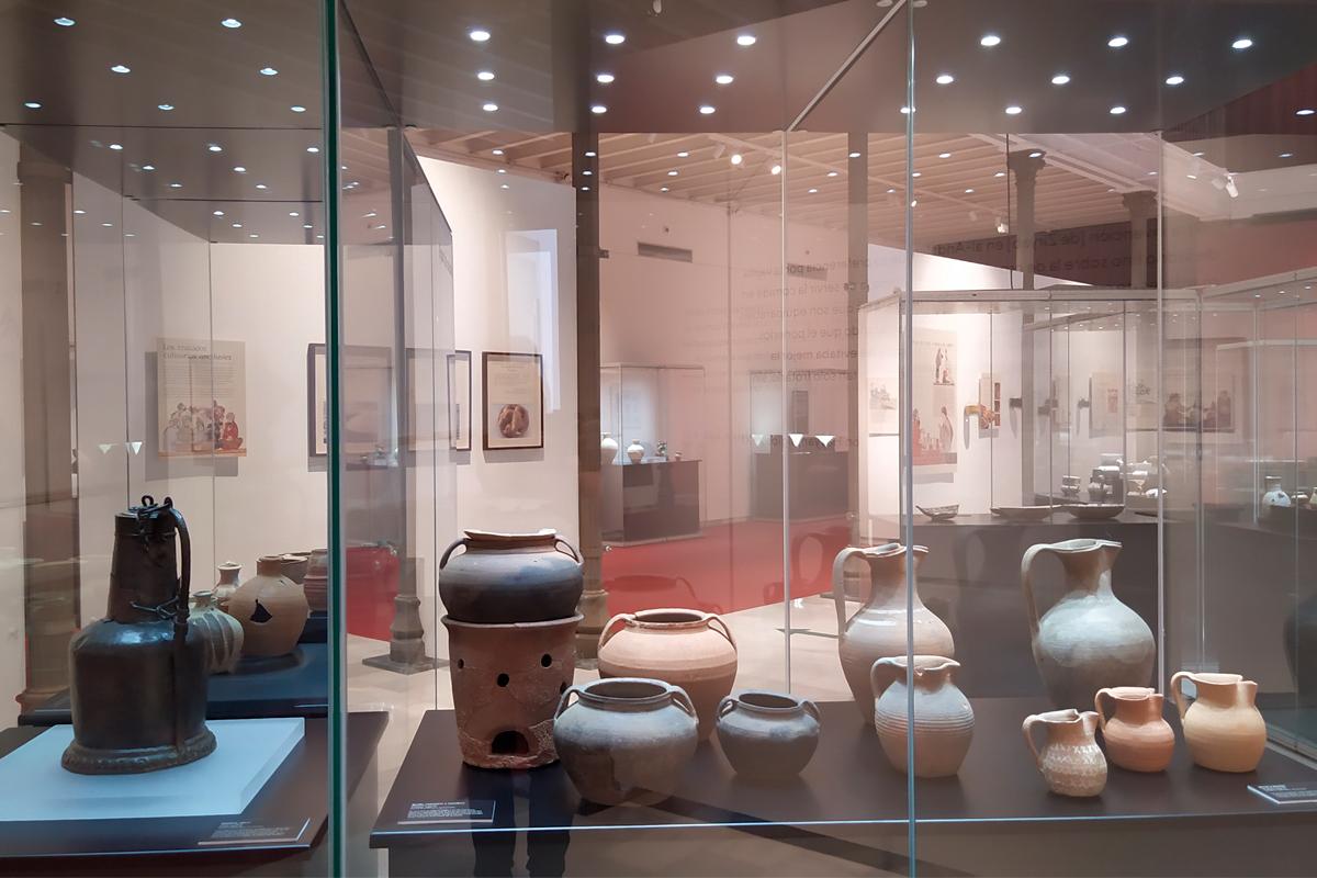 Cántara, anafe, marmitas y jarritos, Museo Arqueológico de Córdoba