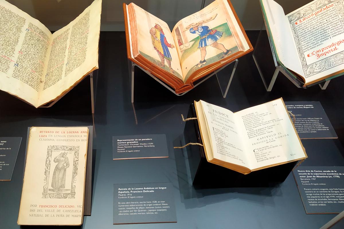 Diferentes obras escritas donde se puede apreciar la pervivencias de algunas recetas y elaboraciones que hunden sus raíces en el pasado andalusí