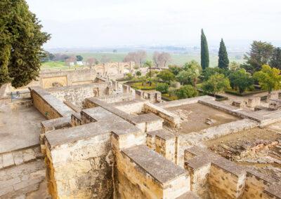Terraza superior y vista del Conjunto Arqueológico. Madinat al-Zahra. Córdoba. ©Plataforma de Material Audiovisual de Turismo y Deporte de Andalucía.